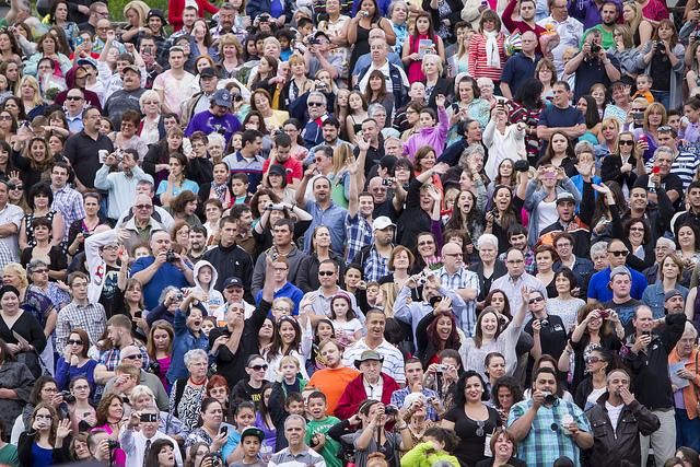 Photo d'une foule.