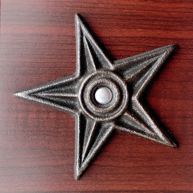 Etoile porte-bonheur à cinq branches venant des Etats-Unis, appelée la barnstar ou étoile de la grange.
