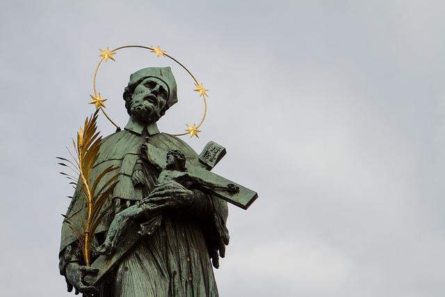 Statue de Jean Népomucène.