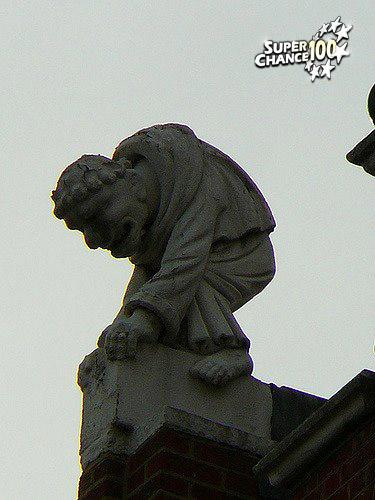 Statue de bossu.