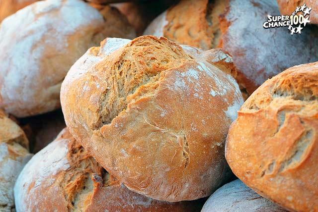 Boules de pain à l'endroit.
