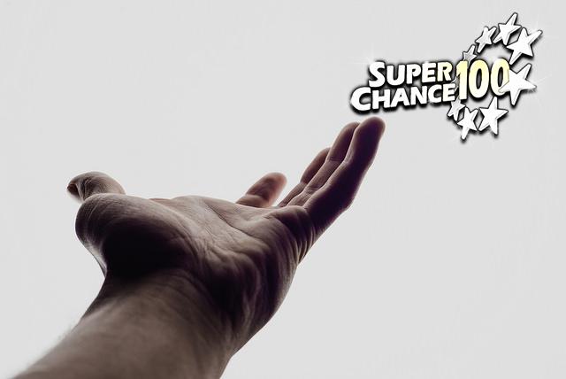 Main tendue pour symboliser la solidarité.
