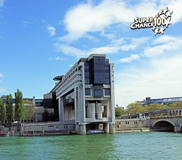 Bercy, le ministère français de l'économie en bord de Seine