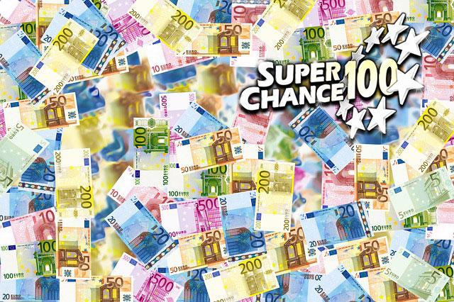 Photographie très colorée composée de nombreux billets d'argent.