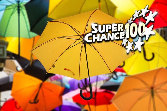 Pluie de parapluies.