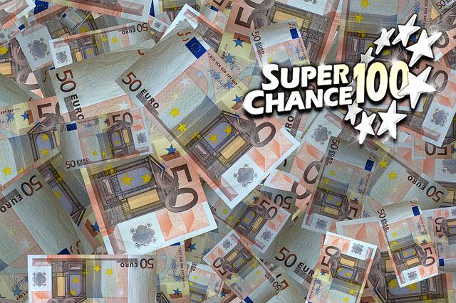 Billets de cinquante euros en vrac.