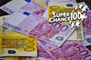 Billets de 500 et 200 euros.