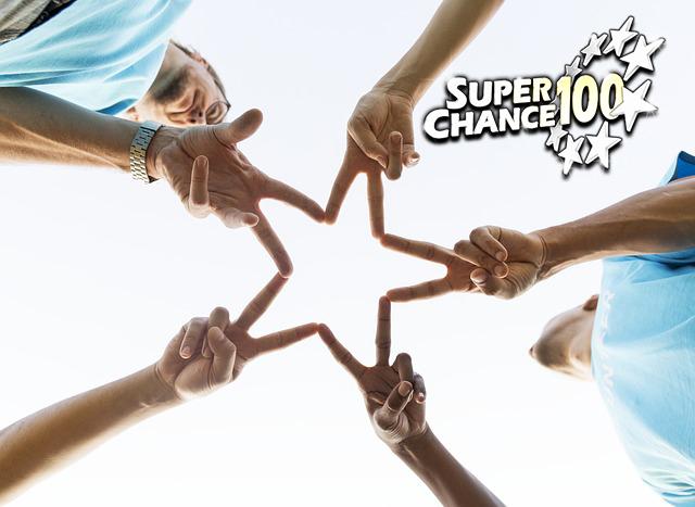 Joueurs en train de former le signe de la victoire à l'EuroMillions.